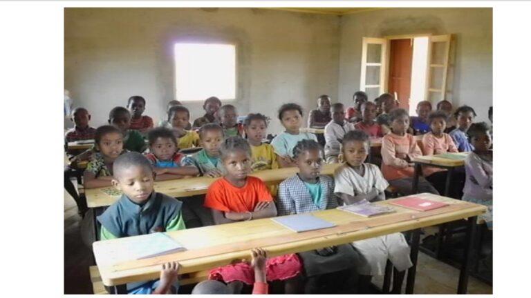 Equipement Salle de classe Amparihibe